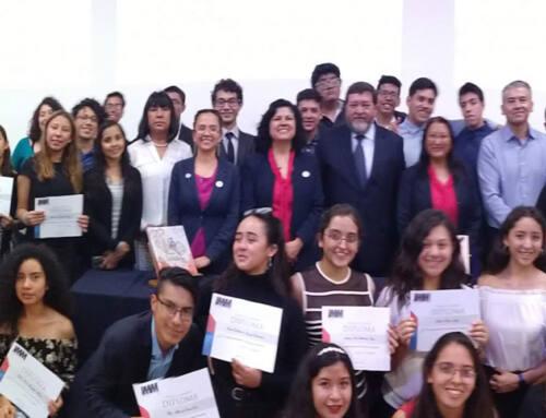 Jóvenes Escritores de IMM Centro presentan antología literaria
